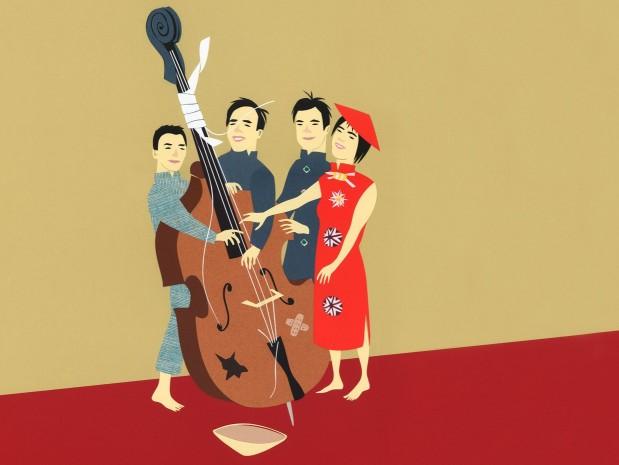 Vier Chinesen mit dem Kontrabass